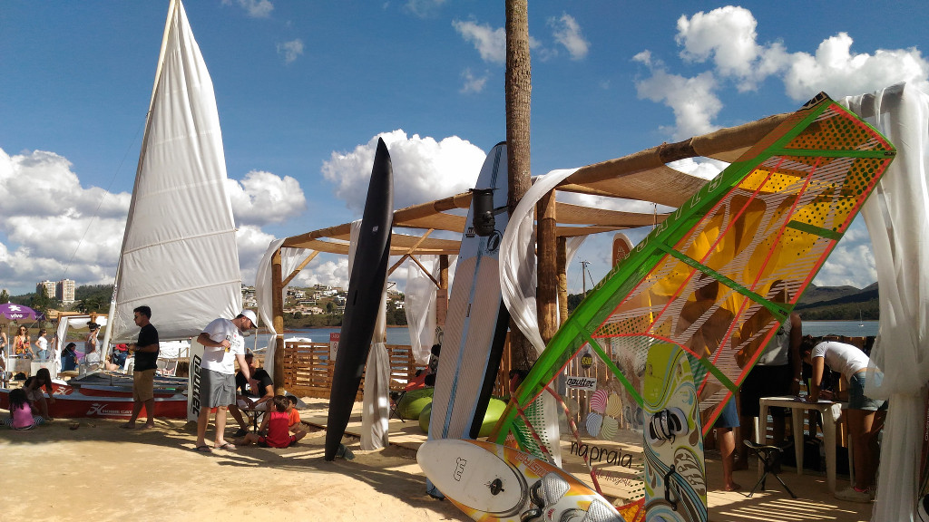 na-praia-bh-sup-caiaque-barco-esportes-aquaticos