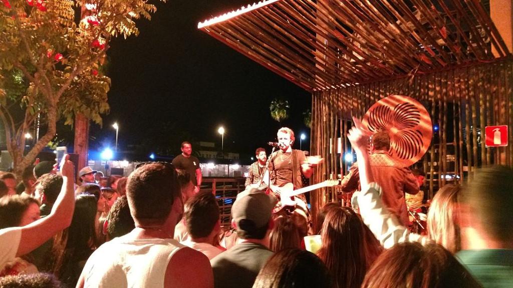 na-praia-bh-show-tuca-fernandes-palco-secundario