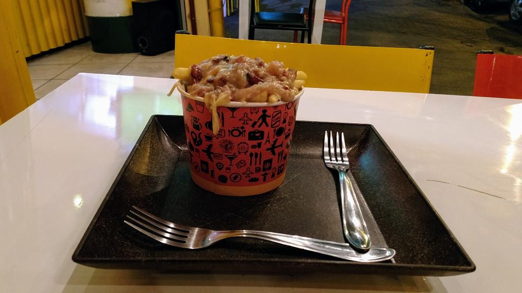 trip_food_poutine