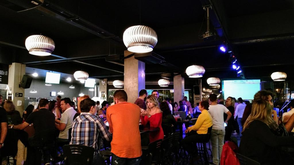 dome_lounge_bar_area_interna