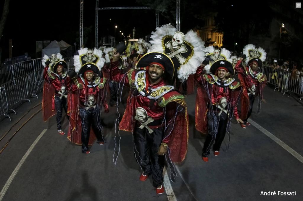 carnaval_belo_horizonte_bloco_caricato_estivadores_havai