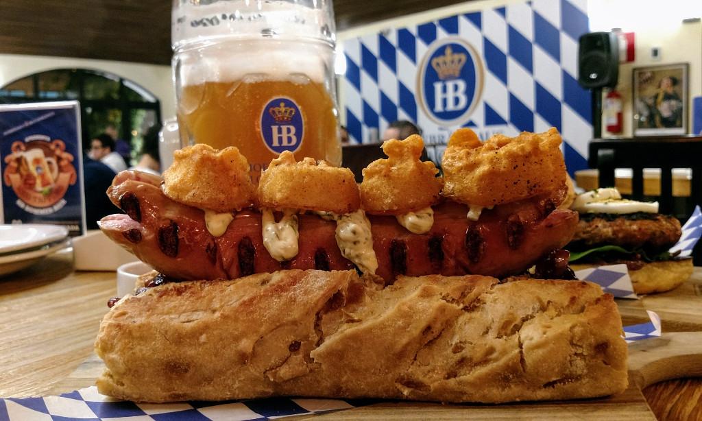 hofbrauhaus_bh_giant_german_hot_dog