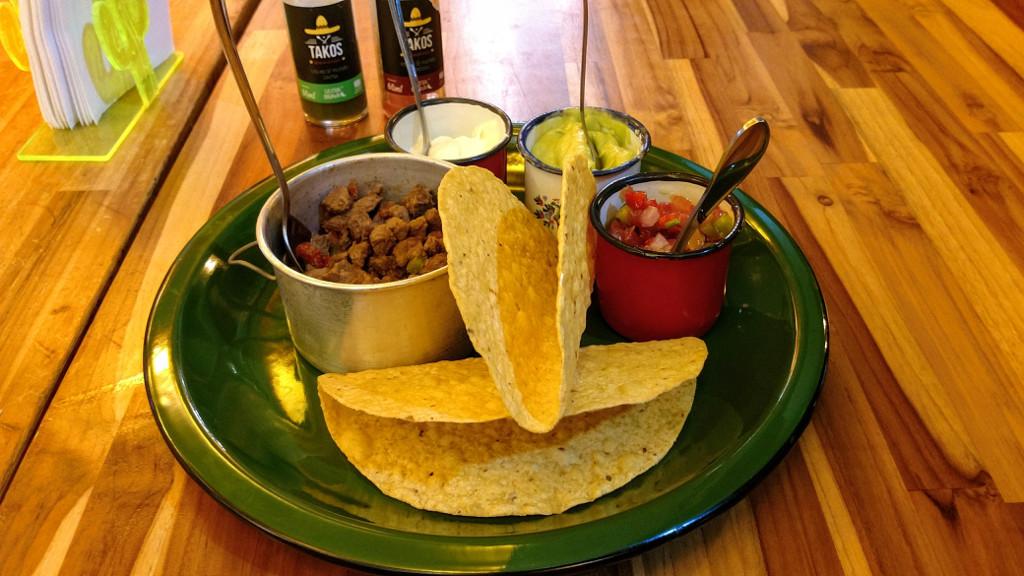 takos-mexican-gastrobar-taco