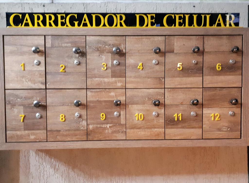 cacapas_choperia_snooker_bar_carregadores_smartphones