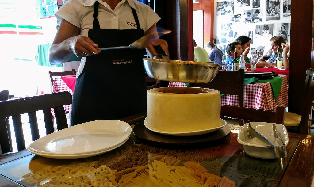 maurizio_gallo_spaghetti_flambado