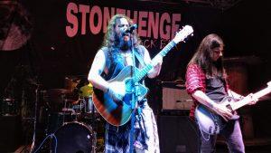 stonehenge-rock-bar-banda-the-homer