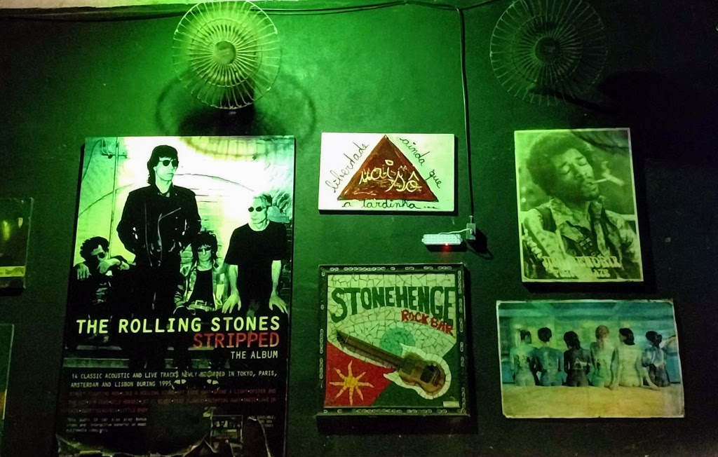 stonehenge-rock-bar-decoracao