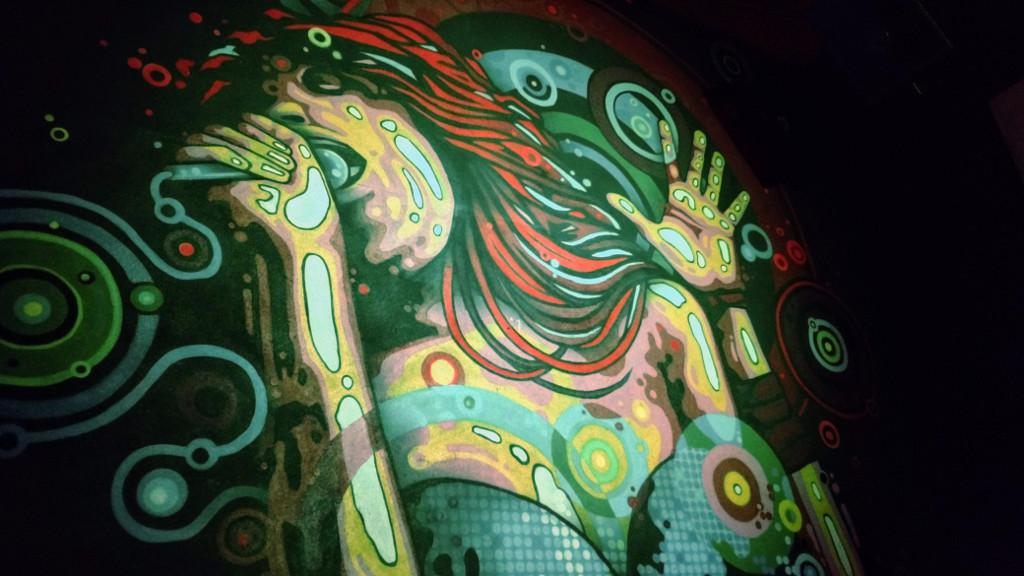 stonehenge-rock-bar-decoracao-grafite