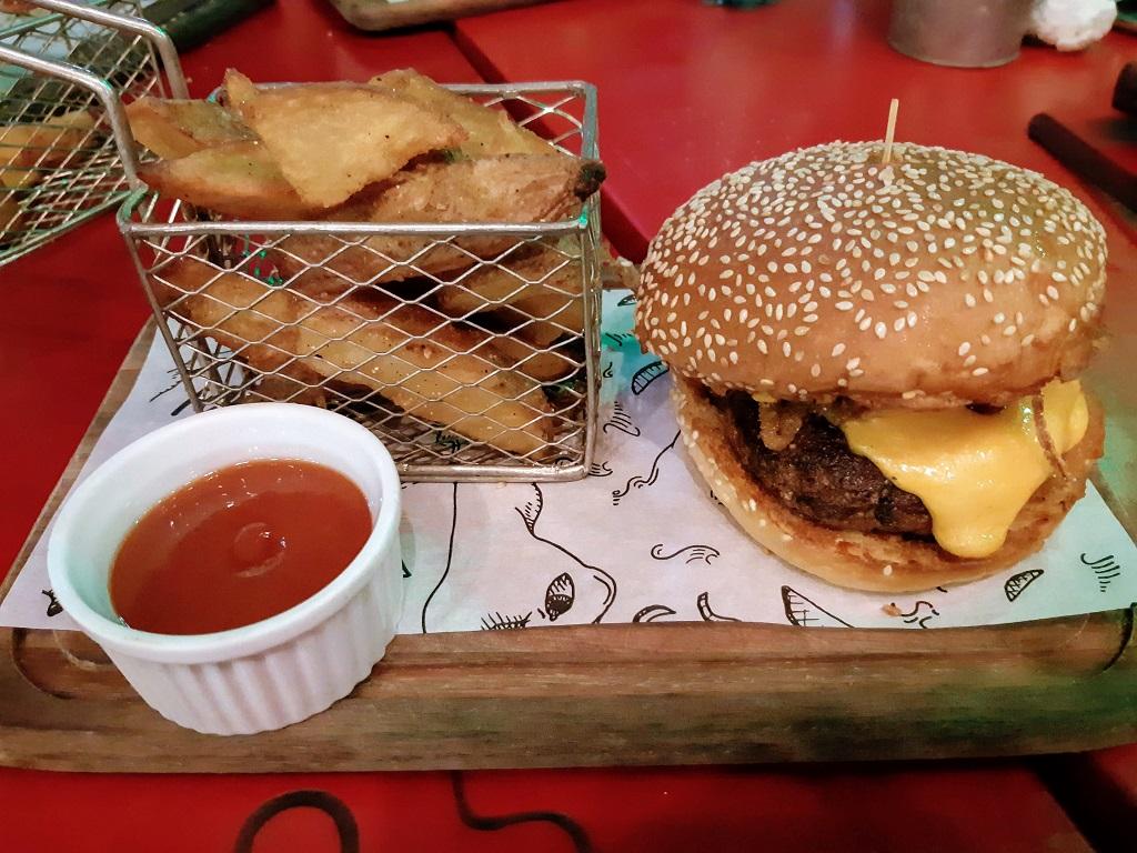meet-me-yard-hamburguer